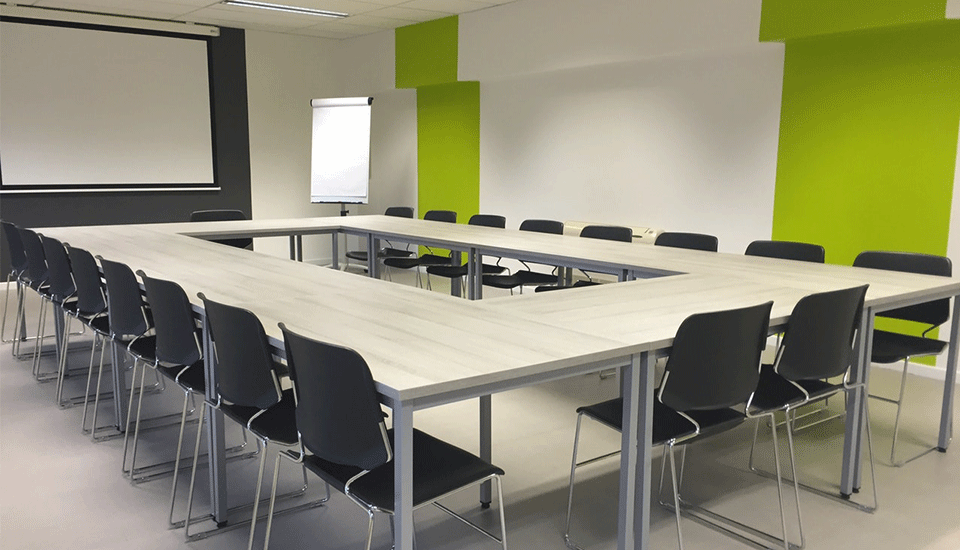 corporate-meeting-room